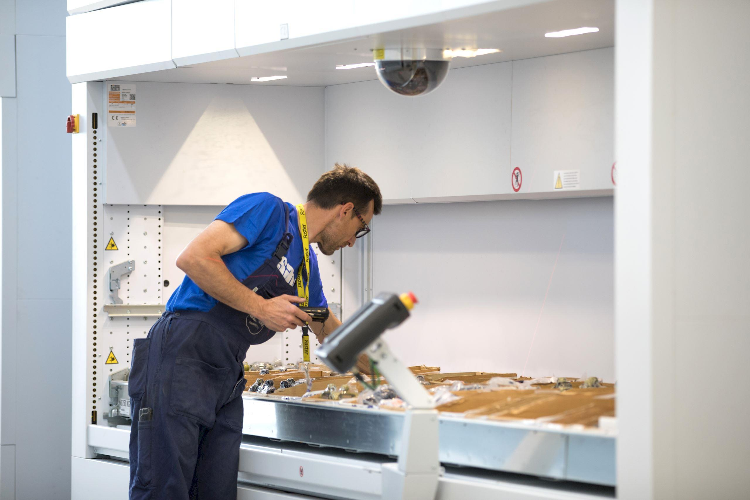 How to improve picking operations with Modula automatic storage systems